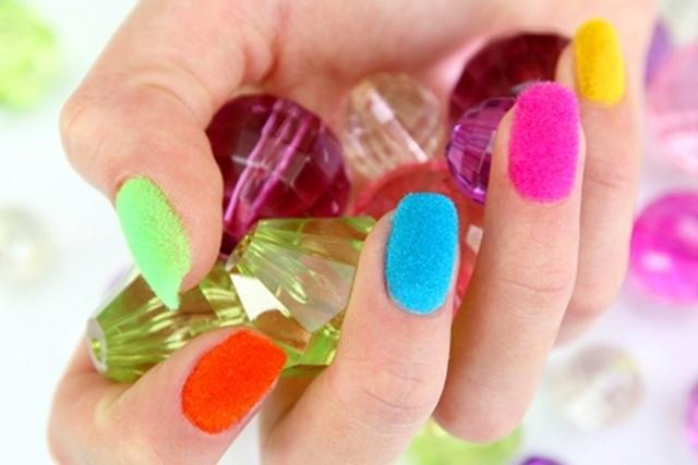 Бархатный маникюр - писк ногтевой моды