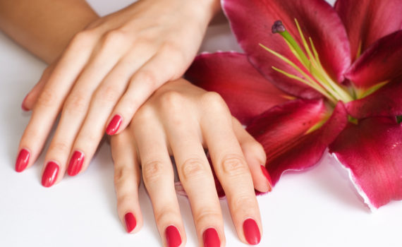 Руки – главная визитная карточка любой женщины. Уход за ногтями и руками в салоне красоты «Афродита»
