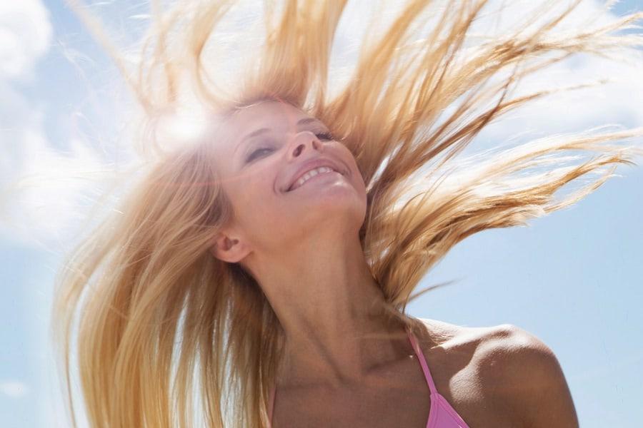 Уход за волосами летом. Как защитить локоны?