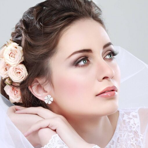 Ідеальний образ нареченої: зачіска, макіяж, манікюр, педикюр та ін.